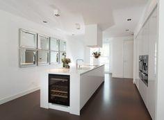 Kitchen Dining, Kitchen Island, Dining Room, Pop Art Wallpaper, Cuisines Design, Wine Cellar, Home Kitchens, Decoration, New Homes