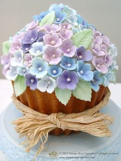 Cake Decorations Tunbridge Wells : Giant Cupcake on Pinterest Giant Cupcakes, Giant Cupcake ...