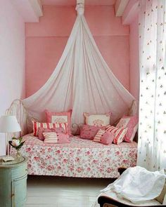 canopy bed and pink wall design-small bedroom decorating ideas - love the canopy think this would look fantastic in blues and gold.