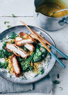 Kip katsu met currysaus Asian Recipes, Healthy Recipes, Healthy Food, Food Inspiration, Broccoli, A Food, Nom Nom, Curry, Cooking Recipes