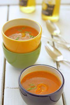 Creamy Mediterranean Tomato Hummus Soup|Craving Something Healthy