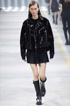 Sfilata Diesel Black Gold Milano - Collezioni Autunno Inverno 2016-17 - Vogue