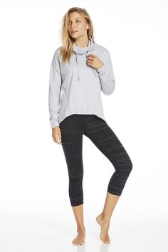 Throw on the Europa pullover for style and versatility. It can go from gym gear to jetsetting style. Pair with our classic black slub Salar leggings for all of life's situations, on ground or in the air.   Tapir Outfit- Fabletics