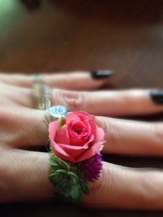 Small corsage rings for flower girls