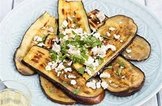 Gegrilde aubergine met feta Snack Recipes, Healthy Recipes, Snacks, Healthy Food, Superfood, Vegetable Pizza, Feta, Bbq, Vegetables