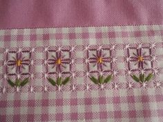 Discover thousands of images about Broderie Suisse, Chicken scratch, Swiss embroidery, Bordado espanol, Stof veranderen.embroidery on gingham Embroidery Applique, Cross Stitch Embroidery, Embroidery Patterns, Cross Stitch Patterns, Chicken Scratch Patterns, Chicken Scratch Embroidery, Bordado Tipo Chicken Scratch, Embroidery Techniques, Cross Stitching