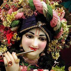 Jai Shree Krishna, Radha Krishna Photo, Krishna Photos, Radhe Krishna, Shree Krishna Wallpapers, Iskcon Krishna, Laddu Gopal, Lord Krishna Images, Krishna Painting