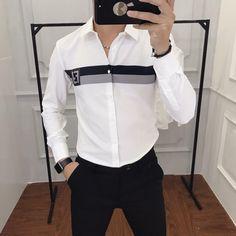 Mens Designer Shirts, Designer Clothes For Men, Stylish Mens Outfits, Stylish Shirts, Formal Men Outfit, Men Formal, Formal Wear, Kurta Pajama Men, Boys Kurta Design