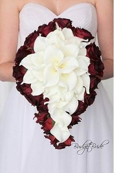 Cascading Wine wedding flower brides bouquet with calla lilies in the center Small Wedding Bouquets, Red Wedding Flowers, Bride Bouquets, Bridal Flowers, Flower Bouquet Wedding, Bouquet Flowers, Purple Wedding Bouquets, Calla Lily Bouquet, Calla Lilies