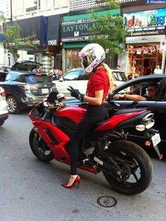 Partage ma moto chaque fois qu'il fait beau....