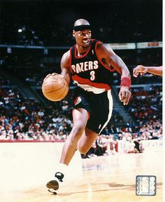 Cliff Robinson, who played for the Portland Trail Blazers from 1989 to 1997.