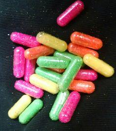 Brillo de neón píldoras píldoras brillo rosa neón por ARTicklesME