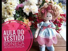 Vestido de Boneca com Barrado! Simples, lindo e fácil! Handmade Dolls Patterns, Doll Videos, Simple Bedroom Decor, Doll Dress Patterns, Doll Tutorial, Hobbies And Crafts, Baby Dolls, Christmas Ornaments, Toys