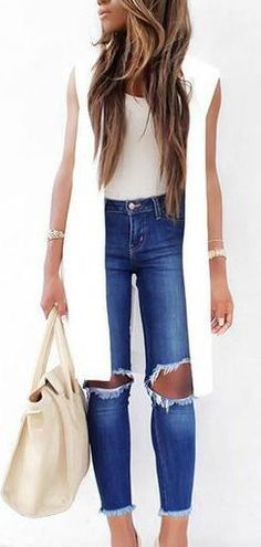 White long vest, blue ripped skinny jeans, casual spring outfit or work outfit with black pants Spring Summer Fashion, Spring Outfits, Trendy Outfits, Autumn Fashion, Cute Outfits, Fashion Outfits, Womens Fashion, Fashion 2016, Long Vest Outfit