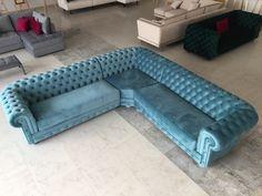 Modern Sofa Designs, Sofa Set Designs, Modern Bedroom Design, Sofa Furniture, Luxury Furniture, Furniture Design, Living Room Sofa Design, Home Room Design, Comfy Bedroom Chair