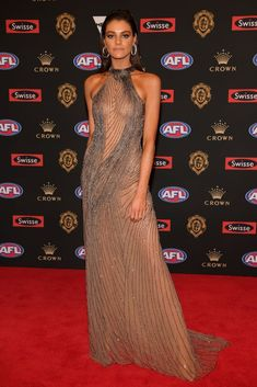 Every Single Dress From the 2018 Brownlow Medal Red Carpet J Aton Couture, Nice Dresses, Formal Dresses, White Gowns, Red Carpet Dresses, How To Look Better, Charlotte, Celebrities, Sexy