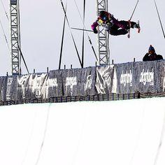 Maddie Bowman wins Women's Ski Superpipe! #DewTour
