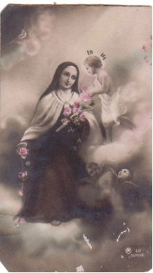 """My newest favorite quote: """"I'm suffering only for an instant. It's because we think of the past and the future that we become discouraged and fall into despair"""" ~St Therese of Lisieux Religious Pictures, Jesus Pictures, Religious Icons, Catholic Saints, Roman Catholic, Catholic Prayers, Catholic Art, Sainte Therese De Lisieux, Vintage Holy Cards"""