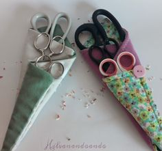 DIY Scissors Holder – Craft projects for every fan! Crafts For Teens, Hobbies And Crafts, Arts And Crafts, Craft Projects, Sewing Projects, Rustic Crafts, Diy And Crafts Sewing, Craft Wedding, Christmas Sewing