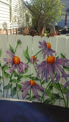 Ideas for Decorating your Garden Fence (DIY) Garden Decoration Ideas: Cheap Fence Ideas, Garden Fence, Backyard Designs Fence Backyard Privacy, Backyard Fences, Backyard Landscaping, Backyard Designs, Garden Fence Art, Garden Mural, Garden Crafts, Garden Projects, Garden Ideas