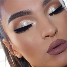 Prom makeup Prom Make-up Related posts: Makeup Prom Glam 21 Ideas For 2019 Makeup looks for brown eyes prom eyebrows Ideas Prom Makeup Gold Makeup Looks, Fancy Makeup, Makeup For Brown Eyes, Makeup For Gold Dress, Makeup Looks For Prom, Pageant Makeup, Homecoming Makeup, Prom Makeup, Lip Makeup