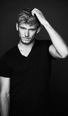 Alex Pettyfer (how is he even real. too much hotness omG) - Alex Pettyfer (how is he even real. too much hotness omG) - Alex Pettyfer, Hot Actors, Actors & Actresses, Jace Lightwood, Magic Mike, Look Man, Attractive People, Famous Faces, Sensual