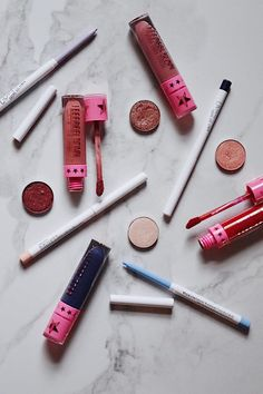 We all have that one makeup routine: our everyday makeup routine. We can do it with our eyes closed and we always use products that we know work and that…