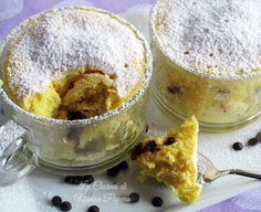 Torta in tazza al microonde ricetta per due persone-esecuzione veloce Torte Cake, Light In, Mug Recipes, Creme Brulee, Let Them Eat Cake, Microwave, Pudding, Meals, Cooking