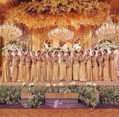 Bridesmaids in orange