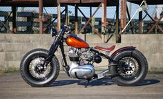 Royal Enfield 350 Bobber by Solow Choppers  #motorcycles #bobber #motos | caferacerpasion.com