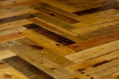 Pallet Flooring – Part One: Acquisition | Marking Our Home. HERE IS THE DIY.