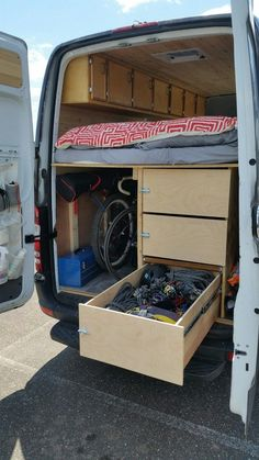 Ideas Van Conversion Ideas , It is possible to set up your van provided that the law allows it. Buying a camper van can be an extremely expensive event. Camper vans and motorhomes. Van Conversion Layout, Van Conversion Interior, Sprinter Van Conversion, Camper Van Conversion Diy, Van Conversion With Garage, Van Conversion Bed Ideas, Kangoo Camper, Sprinter Camper, Mercedes Sprinter