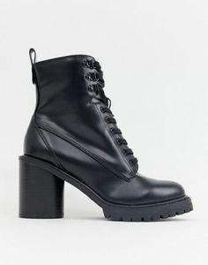 A PETITE BOOTS NOIRE selon @emilie_tla #jonak #shoes