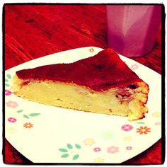 バナナとおからで作った簡単ケーキです★フライパンで焼いたあと、冷蔵庫で冷やしました。しっとりしていて素朴な味です( ^ω^ ) - 14件のもぐもぐ - フライパンケーキ by rapin1216