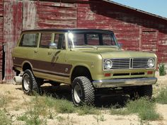 1972 International TravelAll 1010 ton, Very original, Miles International Harvester Truck, International Travelall, International Scout, Lifted Chevy Trucks, Pickup Trucks, Cool Trucks, Big Trucks, Scout Truck, Tractor Pictures