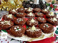 Karácsonyi isler, a legfinomabb aprósüti, nem lehet elrontani! Gingerbread Cookies, Food, Gingerbread Cupcakes, Ginger Cookies, Meal, Essen, Hoods, Meals, Eten
