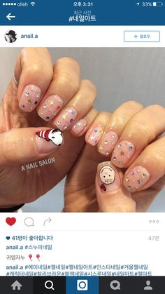 instagram nail  snoopy