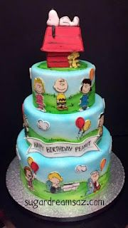 Peanuts Charlie Brown Snoopy Cake - love it! Pretty Cakes, Cute Cakes, Beautiful Cakes, Amazing Cakes, Bolo Snoopy, Snoopy Cake, Unique Cakes, Creative Cakes, Fondant Cakes