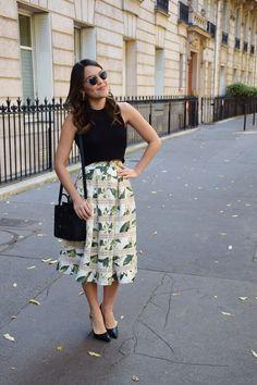 Paris-streetstyle-Iorane-Cropped-midi-saia-skirt-print-flowers-floral-estampa-Carmen-Steffens-Lari-Duarte-blog-blogger-look-du-jour-outfit-inspiration-streets-parisien-3