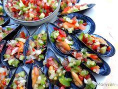 Moules farcies à la pipirrana Tapas, Fresh Rolls, Seafood, Ethnic Recipes, Mussels, Seafood Recipes, Salads, Drinks