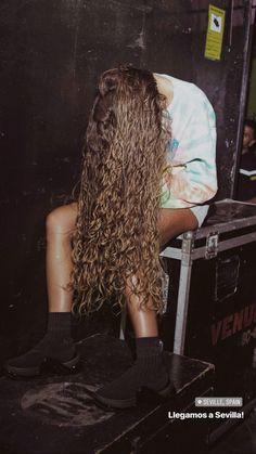 Camila Gallardo, Gorgeous Hair, Hair Goals, Curly Hair Styles, Diva, Dreadlocks, Grl Pwr, Wavy Hair, Celebrities
