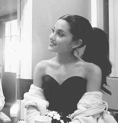 Ariana Grande Bra Size and Body Measurements She Was Beautiful, Beautiful People, Frankie Grande, Ariana Grande Pictures, Cat Valentine, Dangerous Woman, Selena Gomez, Role Models, Foto E Video