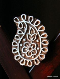 Hand Carved Indian Wood Textile Stamp Block by charancreations, perfect for stamping patterns for temporary glitter tatoos. like henna only better! Paisley Design, Paisley Pattern, Pattern Art, Indian Block Print, Indian Prints, Block Printing Designs, Stamp Carving, Textiles, Textile Patterns