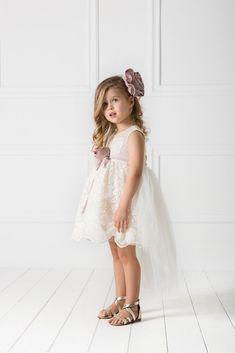 54ed76ce2421 Οι 30 καλύτερες εικόνες του πίνακα Βαπτιστικά ρούχα για κορίτσι ...