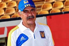 Este próximo sábado nuestro técnico, Ricardo 'Tuca' Ferretti, cumplirá 21 años de trayectoria como entrenador. | Tigres UANL
