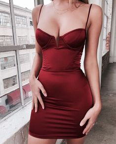 Red bodycon dress/ bodycon dress / bustier dress outfit / all red outfit inspiration / date night dress Mode Outfits, Dress Outfits, Fashion Outfits, Fashion Belts, Club Outfits, Fasion, Dress Fashion, Satin Mini Dress, Satin Dresses