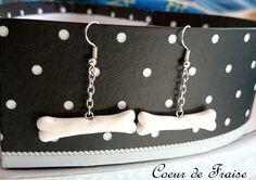 Boucles d'oreilles os knochen osso bone bijoux jewelry chien dog hund cane métal argentée chaîne blanc long http://coeur-de-fraise.alittlemarket.com/
