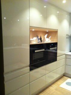 Kjøkken Flat Screen, Kitchen, Home, Blood Plasma, Cooking, Flatscreen, Kitchens, Plate Display, Cuisine