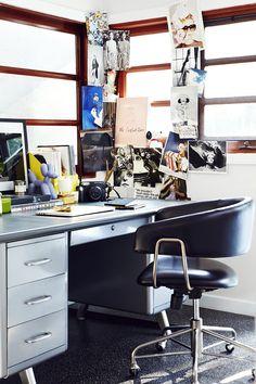 work space – Chiara Ferragni Los Angeles Home Desk Office Wall Decor, Office Walls, Room Decor, Consort Design, Study Design, Design Design, Design Trends, Design Ideas, The Blonde Salad