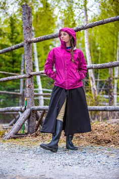 Rain riding skirt. Great for watching the shows, or riding your horse in the rain.